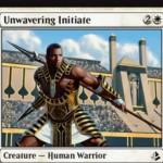 白コモンの戦士「Unwavering Initiate(アモンケット)」が公開!3マナ3/2「警戒」&5マナで「不朽」も可能!※日本語名は「断固たる修練者」!